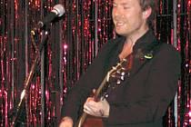 Irský písničkář Mark Geary.