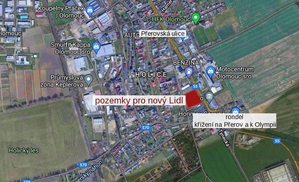 Místo v Olomouci-Holici, kde by měl vyrůst nový supermarket. Pozemky již vlastní společnost Lidl