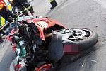 Ve čtvrtek 26. září se na křižovatce v Bukovanech srazilo auto s motocyklem. Zranili se oba řidiči.