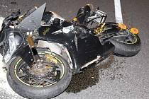 Nehoda motorkáře ba D35 u Nákla