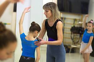 Irina Popová ve své baletní škole v Olomouci