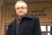 Přednosta Urologické kliniky Fakultní nemocnice Olomouc,doc. MUDr. Vladimír Študent, Ph.D.