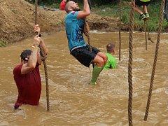 V Litovli se v sobotu na start oblíbeného seriálu extrémního překážkového závodu Spartan Race postavily stovky lidí.