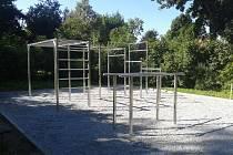 Ve Šternberku otevřeli nový workout park v Tyršových sadech