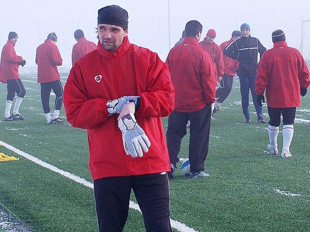 Martin Kotůlek bude v roli hrajícího trenéra.