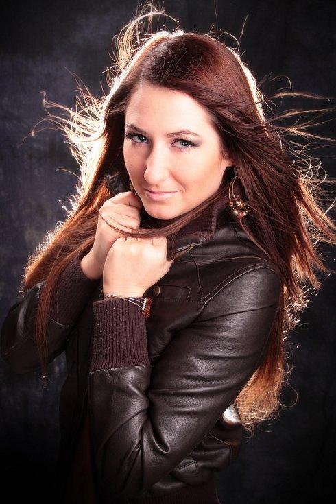 SANDRA SCHLIMBACHOVÁ, 22 let