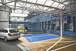 """Nové """"modré zóny"""" v olomoucké fakultní nemocnici. Mají umožnit pacientům a doprovázejícím osobám co nejbližší přístup na jednotlivé kliniky"""