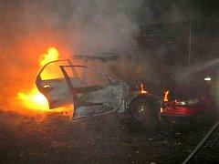 Noční požár auta na třídě Míru