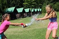 Letní dětský tábor.