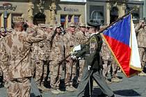 Vojáci po návratu z afghánské mise na Horním náměstí v Olomouci.