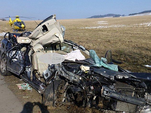 U Valšova se 21. února srazila tři osobní auta. Policejní mluvčí Pavla Jiroušková řekla, že volvo se při předjíždění dostalo mimo vozovku a narazilo do stromu. Cestou na přípravný zápas v Bruntále tehdy zahynuli dva hráči, třetí utrpěl velmi těžká zranění