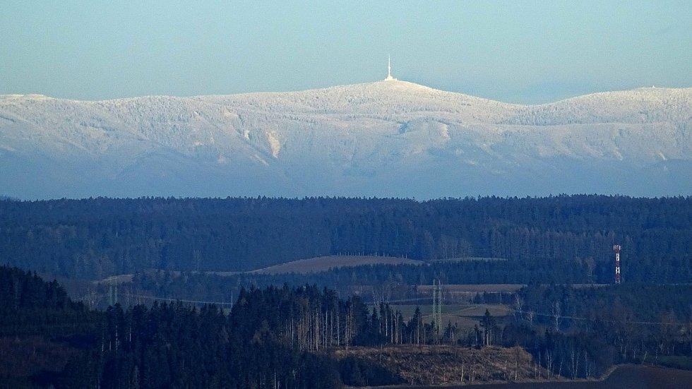 Pohled na Praděd z Metodky, kopce ve Žďárských vrších