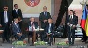 Návštěva prezidenta Miloše Zemana s občany Hranic na Masarykově náměstí