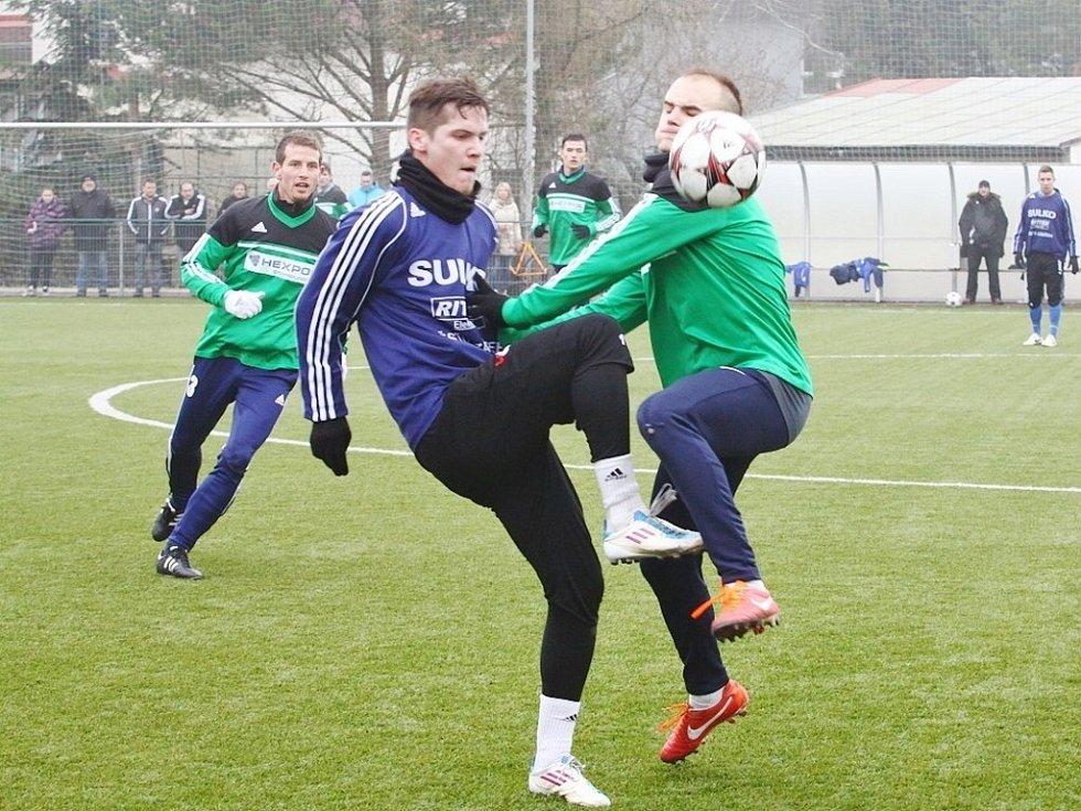Přípravné utkání mezi SK Uničov (v zeleném) a SULKO Zábřeh - Tomáš Pospíšil Pavel Jeřábek