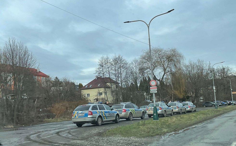 Zásah policie v hospodě U Ervina v Hlubočkách, 23. ledna 2021