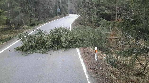 Následky řádění větru v Olomouckém kraji - 1. 4. 2018