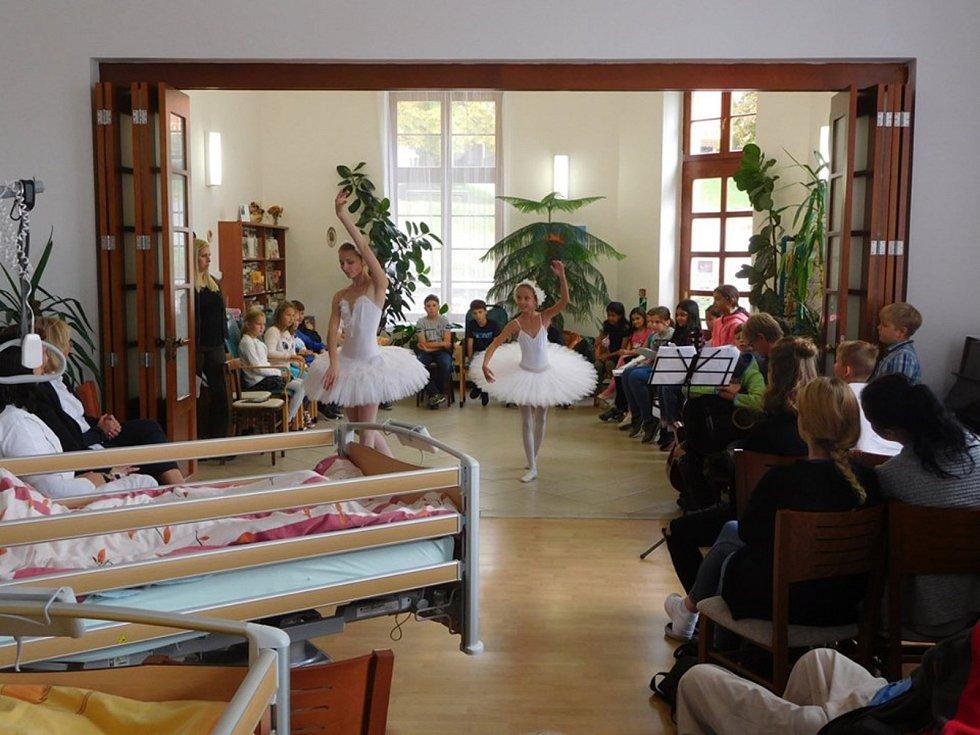 Školní kapela vystoupila v hospicu na Sv. Kopečku.