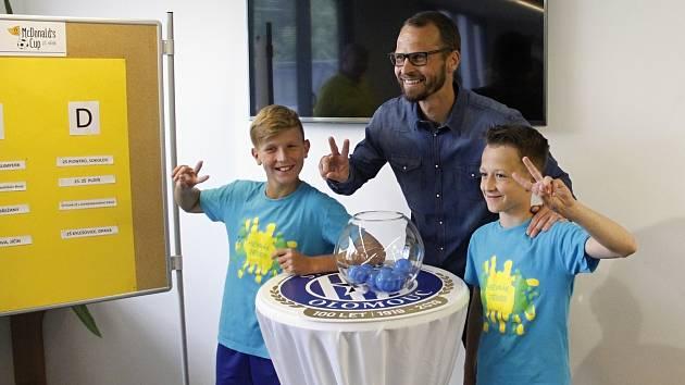 Finále největšího žákovského turnaje Mc Donald's Cup, které se bude konat v Olomouci, rozlosoval David Rozehnal