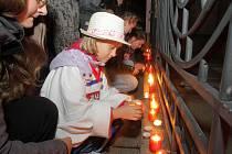 Pietní akt v Olomouci u orloje k uctění památky trojice tragicky zesnulých českých hokejistů