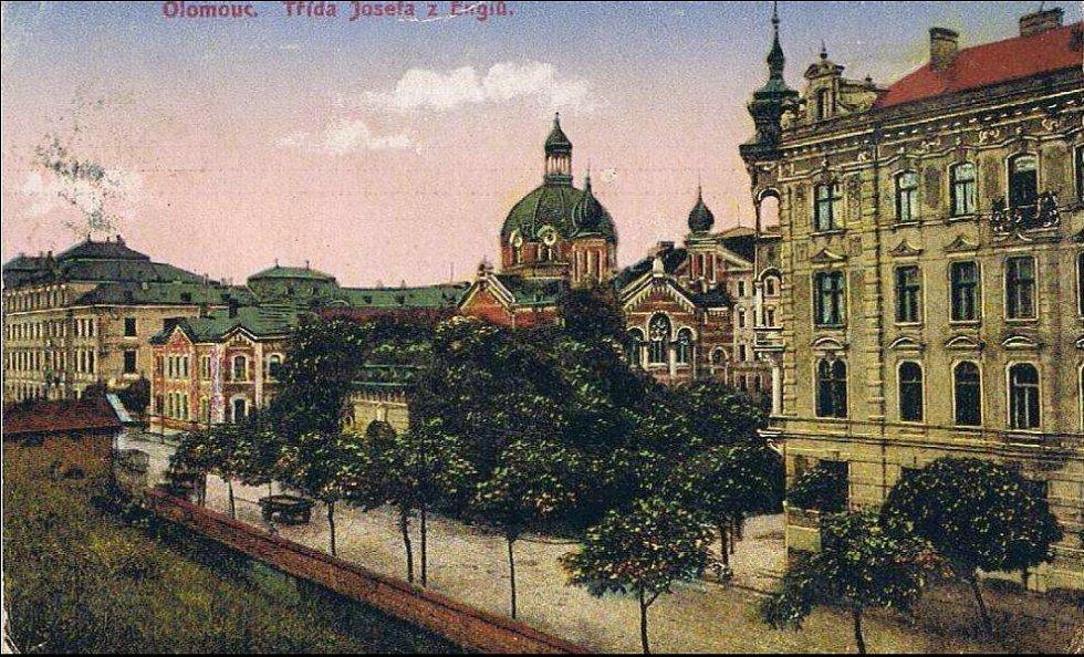 Olomoucká synagoga na dobové pohlednici