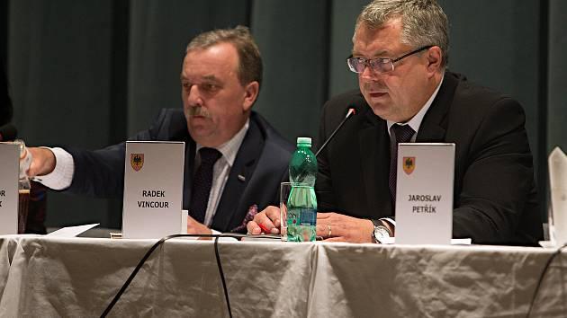 Ustavující zastupitelstvo a volba starosty.Zvolen Radek Vincour.