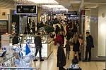 Vánoční nákupy. Ilustrační foto