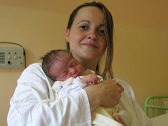 Viktorie Vávrová, Olomouc, narozena 24. června v Olomouci, míra 50 cm, váha 2690 g