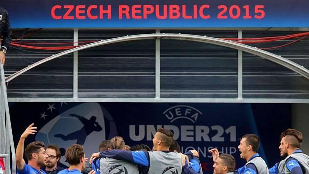 Kdo se bude radovat ve finále? Ilustrační foto z Androva stadionu v Olomouci