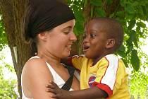 Eliška Gerthnerová na Jamajce s malým Fabianem