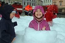 Prázdninové setkání dětí s hasiči a strážníky na Horním náměstí