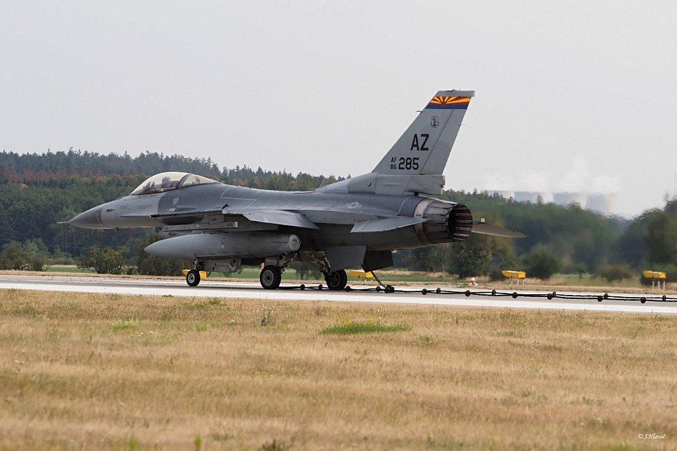 Nad Olomouckem se v úterý proháněly například americké etouny F-16 Fighting Falcon. Mezinárodní cvičení Ample Strike 2018 skončí v pátek. Zapojilo se do něj téměř 1200 cvičících z 19 zemí světa.