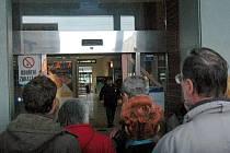 Hlavní nádraží v Olomouci evakuovali a zavřeli kvůli anonymu, který nahlásil bombu