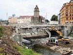 Bourání mostu v Komenského ulici v Olomouci - 19. a 20. července 2018