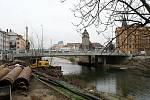 Nový most přes Moravu v Komenského ulici (u Bristolu) v Olomouci. 24. ledna 2020