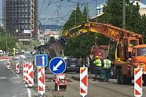 Uzavírka mostu u tržnice kvůli opravě tramvajových kolejí