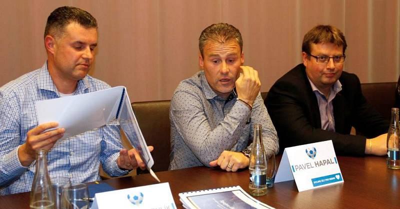 Tiskovka iniciativy Spojme síly pro Sigmu. Roman Brulík, Pavel Hapal, primátor Martin Major