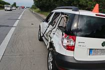 Kamioňák na dálnici narazil do auta a ujel. Policie hledá svědky