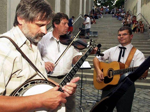 Koncert na Michalských schodech. Ilustrační foto
