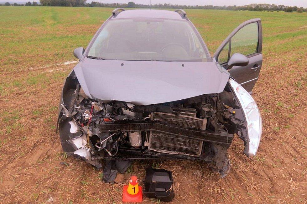 Srážka peugeotu s Renaultem Twingo u Mladějovic