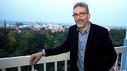 lídr ANO Miroslav Žbánek ve volebním štábu hnutí v olomouckém hotelu Flora