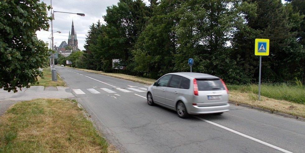Dlouhá ulice v Olomouci - mezi ní a Mlýnským potokem má vzniknout nový park