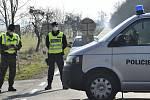 Policie střeží uzavřenou oblast Litovelska