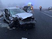 Nehoda tří aut u Horní Loděnice