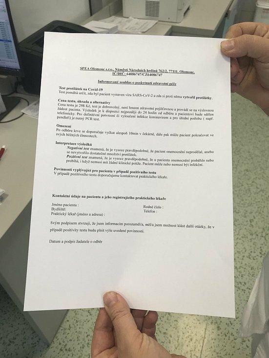 Vyšetření protilátek proti onemocnění Covid-19 na olomoucké poliklinice, 8. prosince 2020