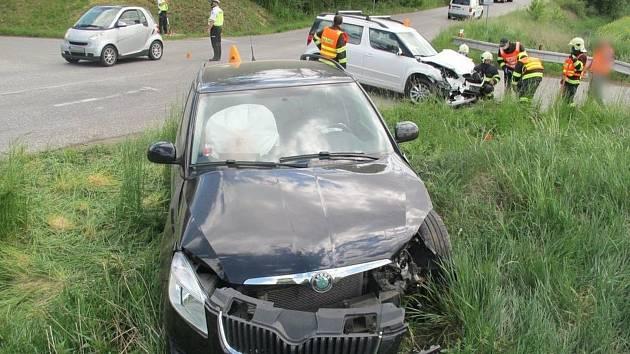 Nehoda v křižovatce u Olšan