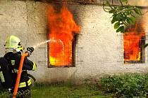 Stolárnu v Bystročicích zničil oheň, škoda je dva miliony