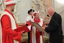 Předseda Ústavního soudu Pavel Rychetský převzal ve středu v kapli Božího těla na olomoucké univerzitě Cenu Františka Palackého.