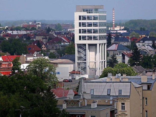 Silo Tower. Originální administrativní budova vznikla z bývalého sila u nádraží Olomouc - město