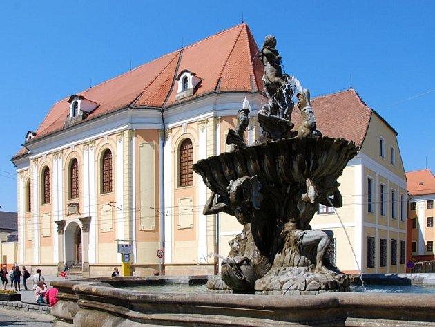 Kašna Tritonů na náměstí Republiky v Olomouci