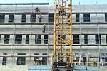 Stavba nové interny ve Šternberku podle projektu studia Adama Rujbra, 6. listopadu 2020